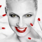 Обои nails and lips